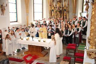 Chor und Musikkapelle singen gemeinsam