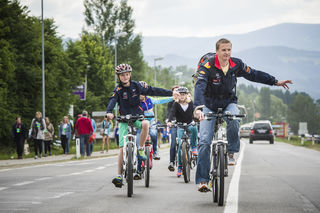 """Die Veranstalter empfehlen: """"Nimm´s Radl"""". Foto: Red Bull/Platzer"""