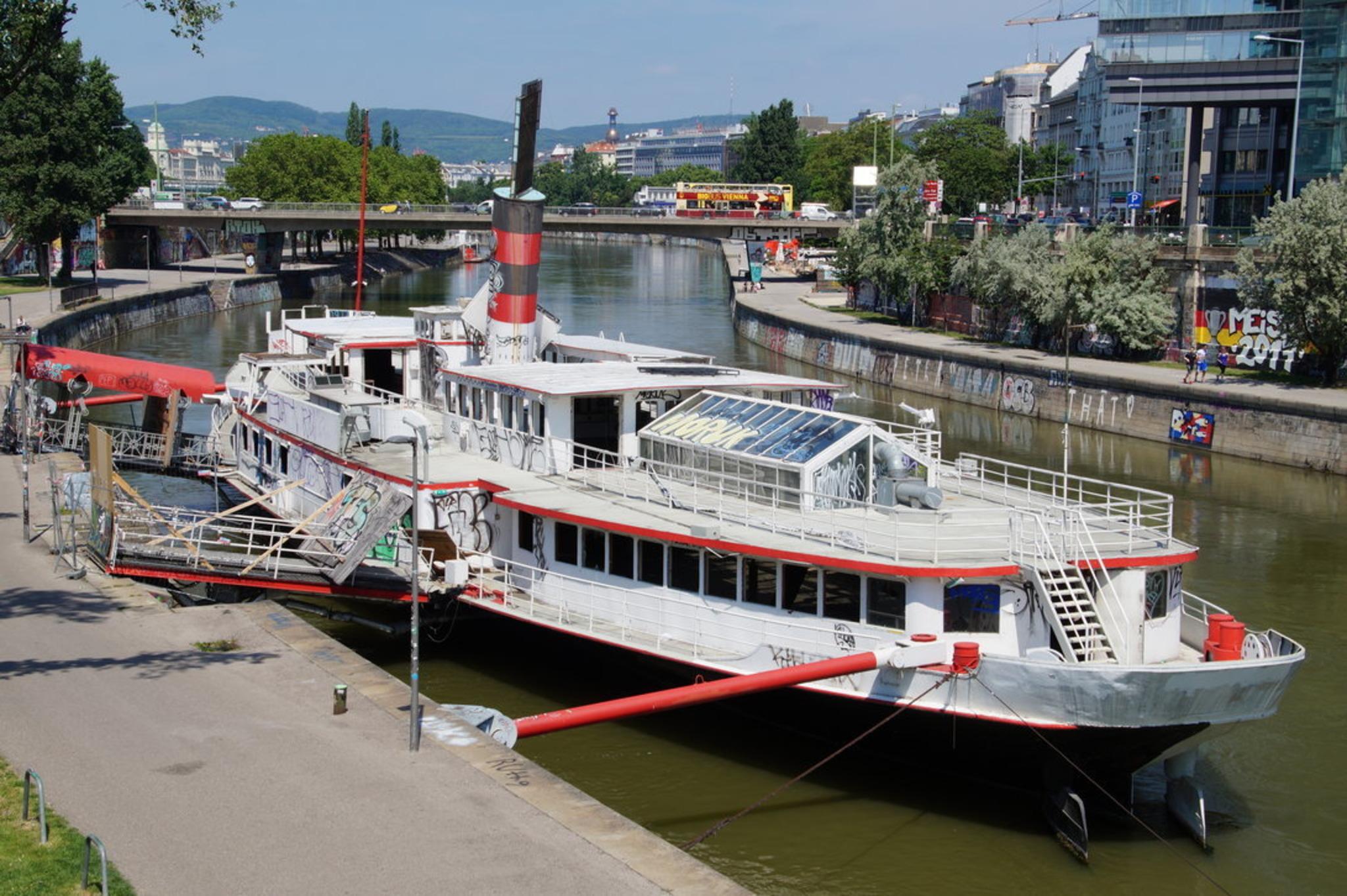 Donaukanal: Streit um Partyschiff geht weiter - Landstraße