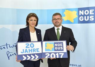 Elfriede Riesinger, NÖGUS-Geschäftsführerin und Ludwig Schleritzko, Finanzlandesrat und NÖGUS-Vorsitzender