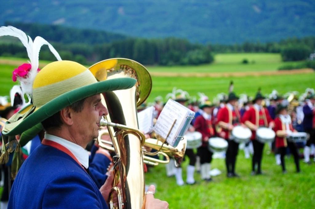 Die Musikkapellen feierten eine eindrucksvolle Festmesse, zu der auch das Gesamtspiel gehört.