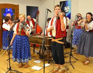Musikalische entführt das Rochus-Ensemble ins Sudetenland.