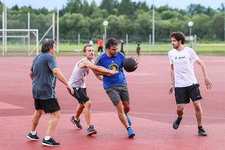 Alonso am Basketballplatz in Knittelfeld. Foto: ripu