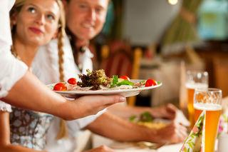 Eine Lehre in der Gastronomie ist nicht mehr gefragt unter den Jugendlichen.