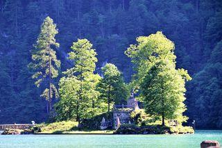 Insel Christlieger mit Statue Hl. Nepomuk