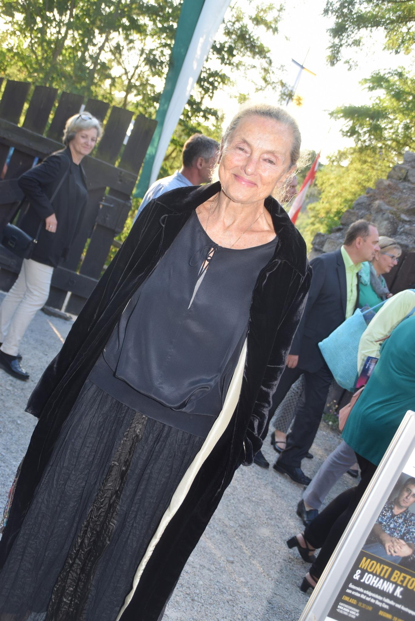 Ehrlich: Schaut diese Frau aus wie 90? - Horn