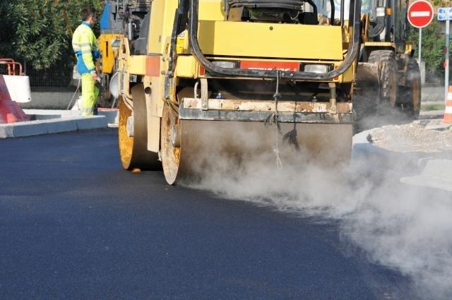 Es wird wieder kräftig gebaut auf den Straßen des Bezirks.