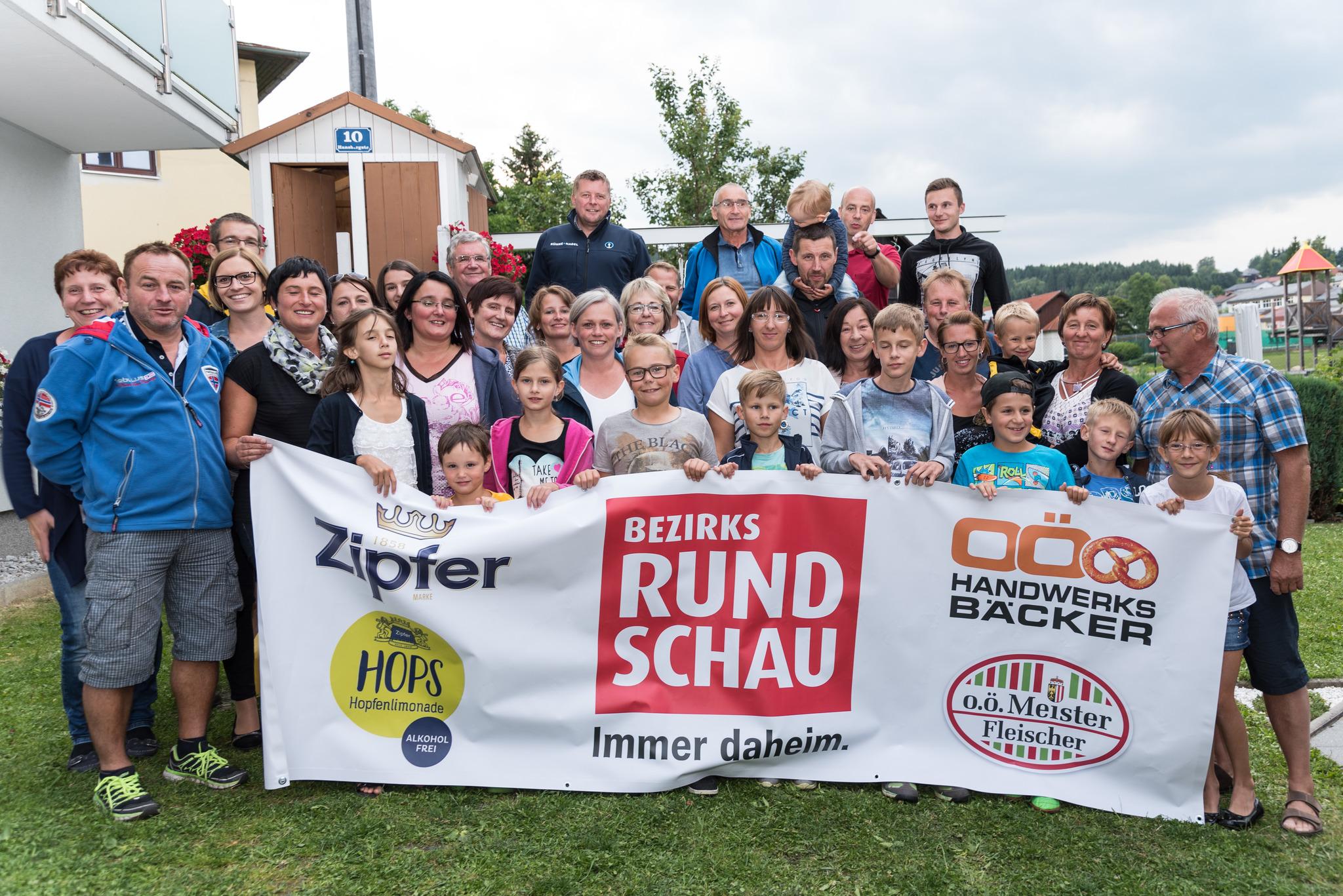 Gemütliche Feier beim Nachbarschaftsfest St. Veit - Rohrbach