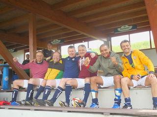 """Farmers United"": (von links) Christian Rasmussen aus Dänemark, Markus Tomandl aus St. Aegidi, Daniel Klemm aus England, Francesco De Rose aus Italien, Lamine Diallo aus Frankreich und Fabio Filpo aus Italien."