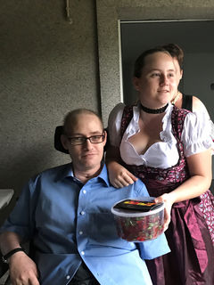 Christian mit Tochter Jenni am 40er.
