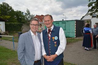 Halbturns Bürgermeister LA Markus Ulram und Dieter Denk.