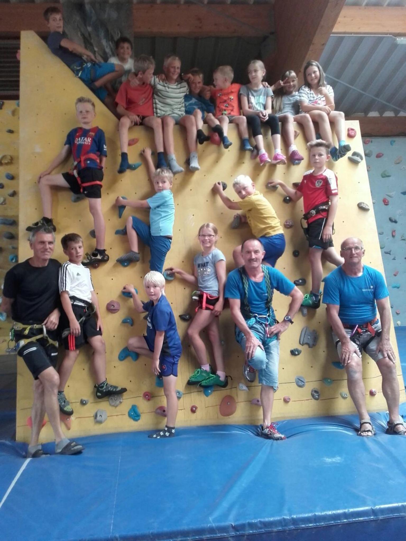 Ferienprogramm Sommeraktiv³ Hoch Hinaus Ging Es Beim Klettern