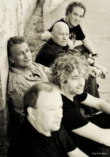 On Tour: Reinhard Fendrich mit Band