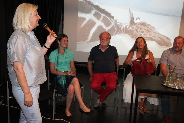ORF-Redakteurin Ilse Amenitsch (li) leitete die Diskussion