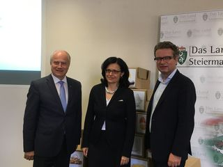 """Die Präsentation von """"Stertz"""": Hans Seitinger, Sandra Holasek und Christopher Drexler (v. l.)"""