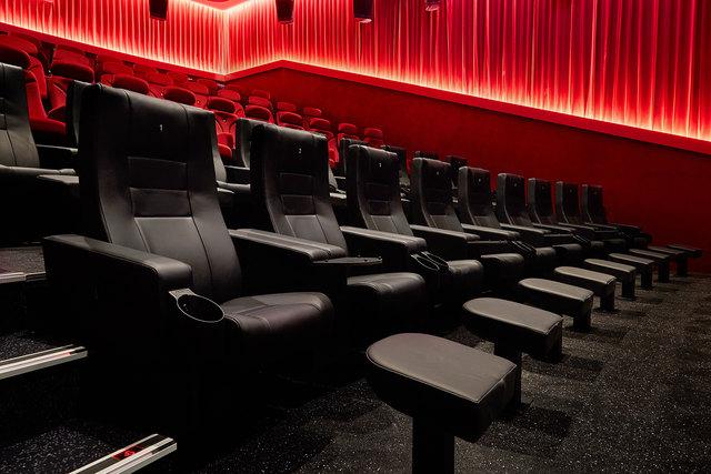 Zwei neue Deluxe-Kinosäle bei Star Movie Wels bieten höchsten Komfort und modernste Technik.