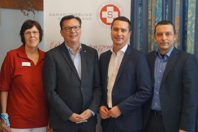 Gesundheitslandesrat Norbert Darabos und SPÖ-Klubobmann Robert Hergovich im Pflegekompetenzzentrum des Arbeitersamariterbunds in Siegendorf