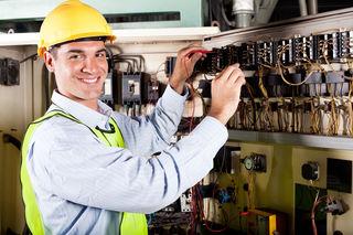Der Konsumentenschutz der Arbeiterkammer Oberösterreich hat bei 138 Betrieben die Stundensätze von Elektromonteuren und Servicetechnikern erfragt.