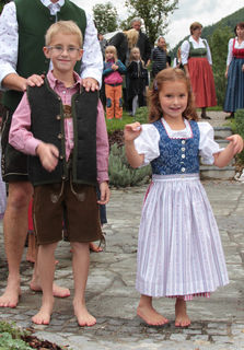 Damen-, Herren- und Kinderbekleidung für den Trachtenflohmarkt gesucht.