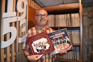 Werner sammelt seit vielen Jahren Platten.
