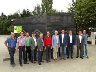 v.l.: Heinrich Maria Rabl (GF Hügelland-Schöcklland), Benedikt Trummer (Hügelland-Schöcklland), Johann Renner (Amtsleiter St. Margarethen), Bgm. Klaus Steinberger (Nestelbach b. G.), Karl Linhard (Amtsleiter Vasoldsberg), Christian Luttenberger (GF Energieregion Oststeiermark), Bgm. Bernhard Liebmann (Laßnitzhöhe), Bgm. Franz Knauhs (St. Marein b. G.), Bgm. Herbert Mießl (St. Margarethen a. d. R.), Modelregionsmanager Thomas Fleischhacker, Thomas Pichler (Amtsleiter Kainbach b. Graz)