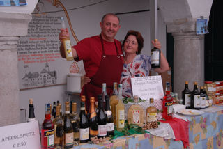 Seit vielen Jahren findet das beliebte Piemont-Weinfest im Arkadenhof Lechner und im Rathaushof Windischgarsten statt.