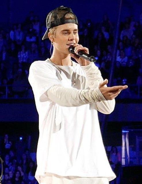 Hat sich Justin Bieber bei dem Autounfall verletzt?