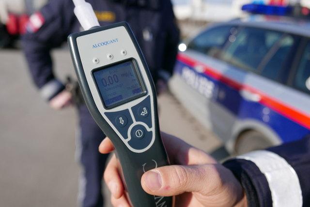 Admont polizisten kennenlernen Oberwlz single aktiv