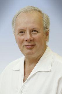 Primar Vinzenz Auersperg, Leiter der Abteilung für Orthopädie und orthopädische Chirurgie am Landes-Krankenhaus Kirchdorf.