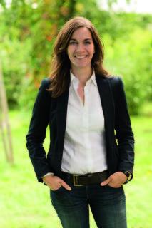 Anita Malli, Landesgeschäftsführerin der Grünen, freut sich über den Zuwachs von Grünen Listen bei der Gemeinderatswahl.