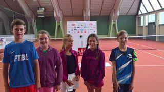 Tim und Lina Oberdammer, Maja Pitochova, Linda Gassenbauer und Maxi Reisenbichler.
