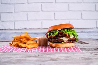 """""""Bella Luisa"""" heißt diese Burgervariation, die man im Restaurant Rinderwahn serviert bekommt."""
