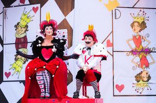 Spielerisch: Shlomit Butbul in ihrer Rolle als Herzkönigin