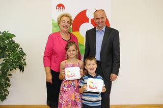 Informierten über das Schulstartgeld: LR Verena Dunst und Landesschulratspräsident Heinz Josef Zitz