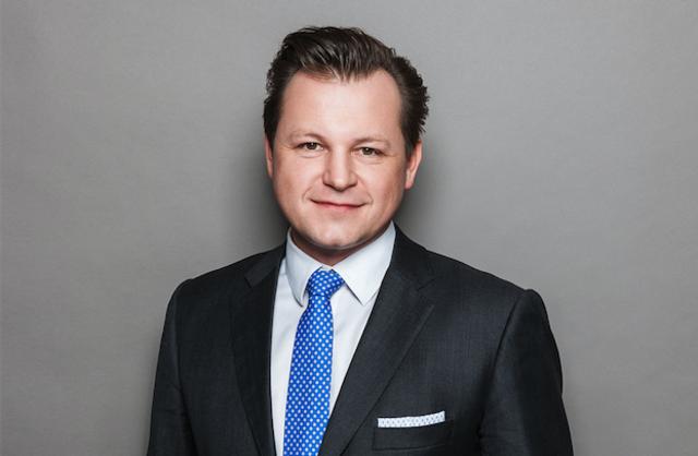 """""""Mit unseren 127 Zeitungen in allen Regionen Österreichs haben wir einmal mehr die höchste Printauflage* im ganzen Land und erreichen damit österreichweit mehr als 3,6 Millionen** Leserinnen und Leser"""", freut sich RMA-Vorstand Georg Doppelhofer."""