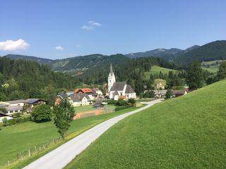 Der Blick vom Gemeindeamt aus auf das Geistthaler Ortszentrum.