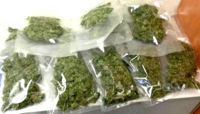 Laut Polizeimeldung sollen die Burschen 1.200 Gramm Cannabiskraut und Haschisch besessen haben.