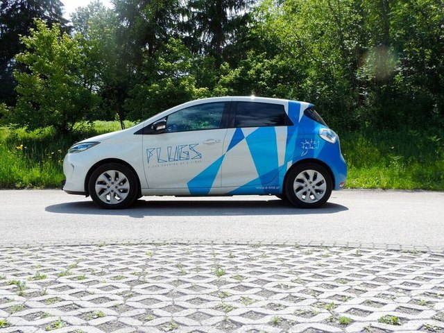 """Das Elektroauto """"e.vi"""" ist Teil des E-Carsharing-Modells FLUGS der Regionalenergie Osttirol."""