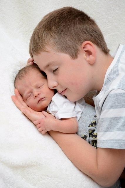 Jonas wird gemeinsam mit seinem Bruder Paul in Tainach aufwachsen