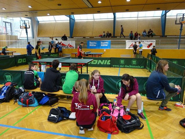 Tischtennis-Kids in der Fulpmer Sporthalle