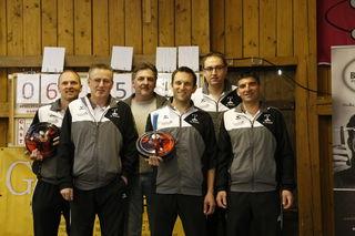 V. l.: Thomas Hamedinger, Erich Scharrer, Stocksponsor Gottfried, Klaus Weinhäupl, Martin Scharrer, Hans Schopf.