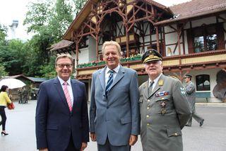 LH Günther Platter, AK-Chef Erwin Zangerl, Militärkommandant Herbert Bauer