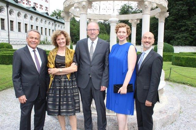 IKB-Vorstandsvors. Harald Schneider, Festrednerin Monika Czernin, Betriebsdirektorin Eva-Maria Sens, Intendant Alessandro DeMarchi