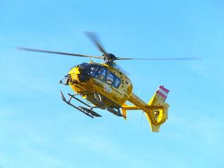 Der verunglückte Biker wurde mit dem ÖAMTC-Rettungshubschrauber ins Meidlinger Unfallkrankenhaus geflogen.