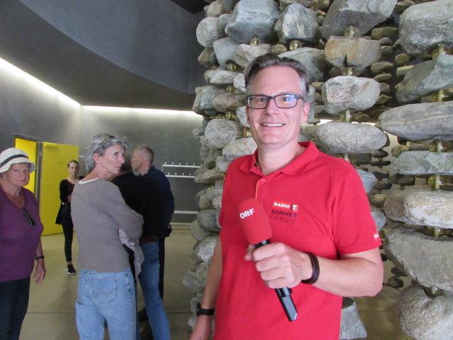 Moderator Timo Abel freut sich mit der Radio Tirol Sommerfrische wieder im Bezirk Landeck unterwegs zu sein.