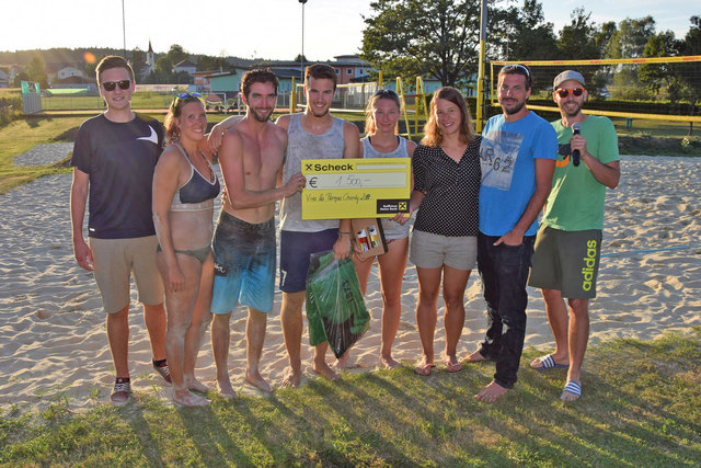Die drei Top-Teams in Mettersdorf freuten sich über die Platzierungen. 1.500 Euro gingen in den Spendentopf.
