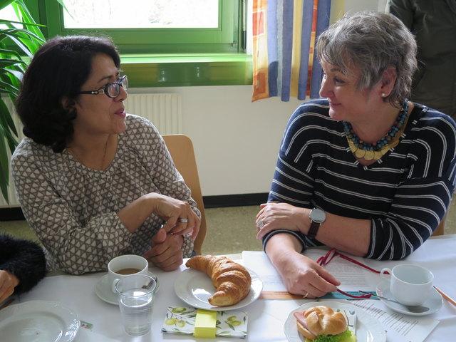 Tuba Nasrollahi und Patin Gina Streit fanden gleich bei ihrem ersten Treffend genügend Gesprächsthemen.