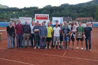 Beim ersten Markus Heinrich Gedenkturnier in Scheibbs nahmen insgesamt 76 Tennisspieler in drei Bewerben teil.