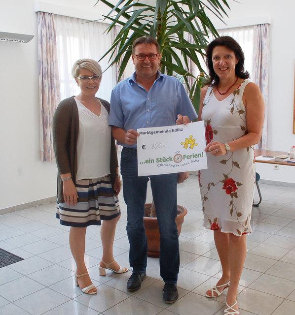 Spendenübergabe in Edlitz.
