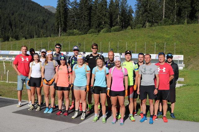 Das ÖSV-Team im Biathlonzentrum in Obertilliach.